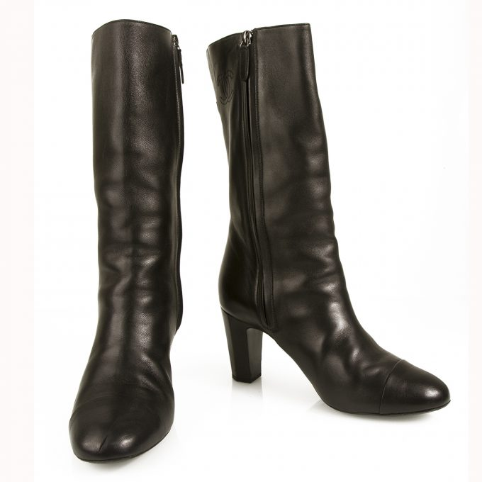 Chanel Black Leather calf height round cap toe boots 8cm heels Bottines sz 40