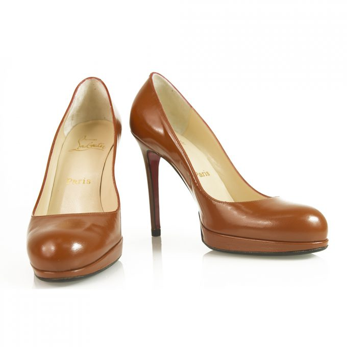 Christian Louboutin Classic Brown leather round toe platform pumps sz 37