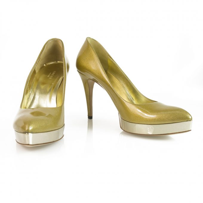 GUCCI Gold metallic patent leather pointy toe shoes heels pumps platform 40C