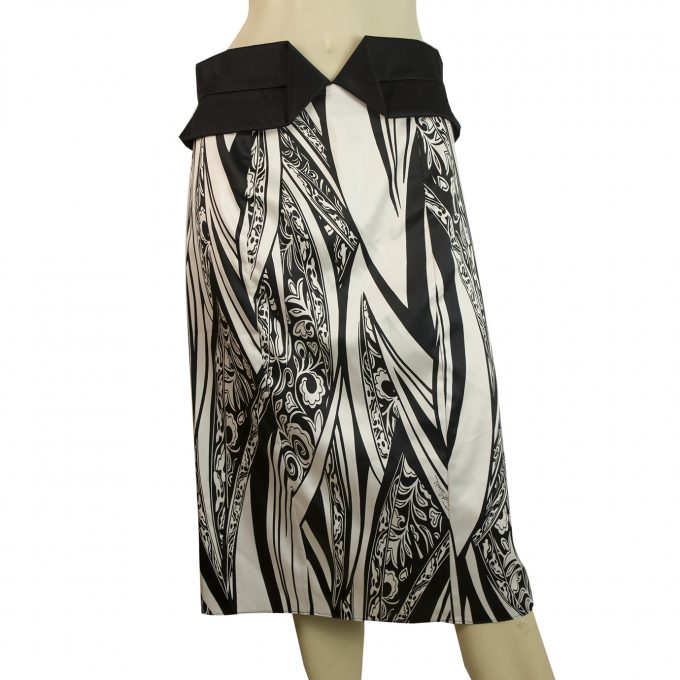 Just Cavalli Black & White Floral Print Below Knee Length Skirt Size 44